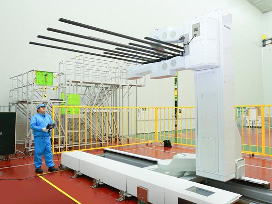 Hyundai Heavy Industries Wins 40 Million Order to Supply 309 LCD Handling Robots