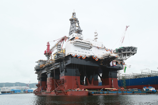 Hyundai Heavy Industries Delivers the World's Largest Semi-Submersible Drilling Rig for Diamond Offshore
